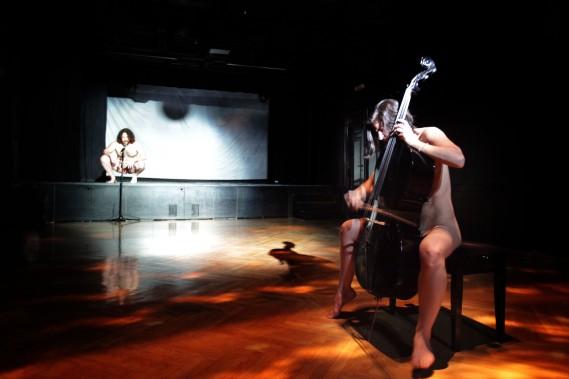 1. act (foto niki witoszynskj)